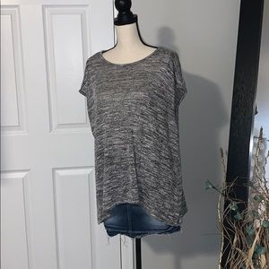 Lightweight short sleeve sweater